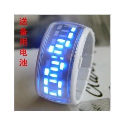 童话二分之一同款 手镯表 终极三国LED手表 siman果冻表 电子表图片
